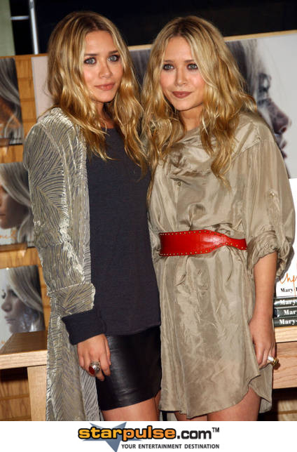 Mary-Kate & Ashley Olsen Launch Design Contest Mary-Kate & Ashley Olsen Launch Design Contest