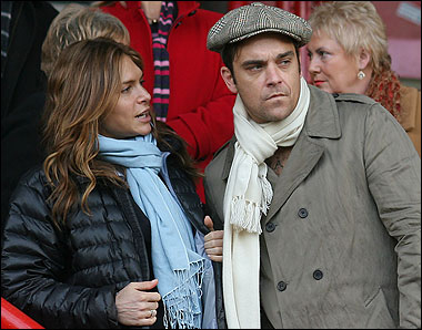 Robbie Williams proposed to his girlfriend Ayda Field live on Australian radio Robbie Williams proposed to his girlfriend Ayda Field live on Australian radio