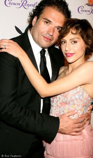 Brittany Murphy Dies Here she is with her husband, Simon.