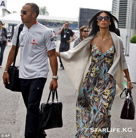 Nicole Scherzinger and Lewis Hamilton Split, Remain Close Friends Nicole Scherzinger and Lewis Hamilton Split, Remain Close Friends