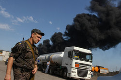 Fire near Kiev extinguish the fire tanks