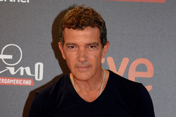 Antonio Banderas told about the plastic