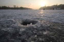 Rivers of Tatarstan, the ice thickness has reached a critical level