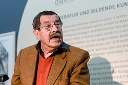 Died winner of Nobel Gunter grass