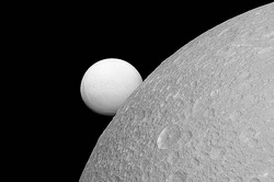 NASA was surprised by the reflection of the moons of Saturn