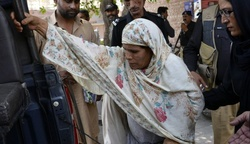 In Pakistan, the woman who killed his daughter for disobedience