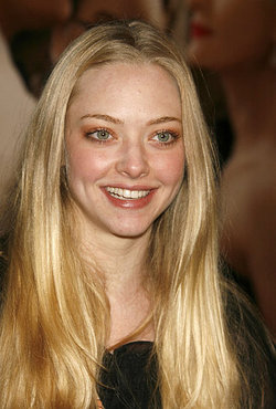 Amanda Seyfried  worried about her nude scenes