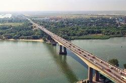In Rostov started the installation of the main span of the bridge Voroshilovsky