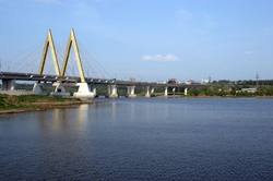 In Kazan at the Millennium bridge turned over Lada Granta