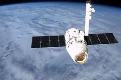 "The ISS sent the space ship ""Dragon"""