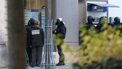 In Germany, the criminal in a mask took hostages