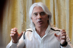 The doctors assessed the chances Hvorostovsky