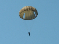 Parachutist US Navy died during a jump over the Hudson
