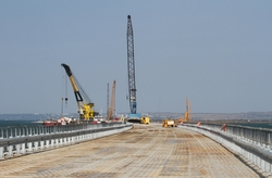 Kerch bridge building 2500 builders