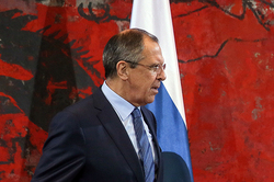 Lavrov sang a duet with her colleague from Serbia Digicam