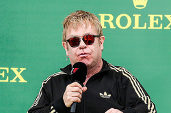 Elton John will protect the rights of homosexuals