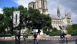 In Paris gunman attacked police officers in the Cathedral of Notre Dame
