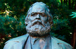 In Budapest dismantled the sculpture of Karl Marx